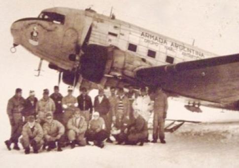 Expedición polar de la Aviación Naval Argentina en 1961/2.