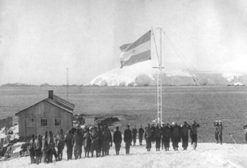 Inauguración del Destacamento Naval Melchior en marzo de 1947.