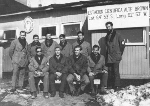 Primera dotación científica de la Estación Científica Alte. Brown en 1965