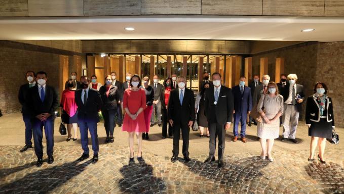 Solá con embajadores de la UE