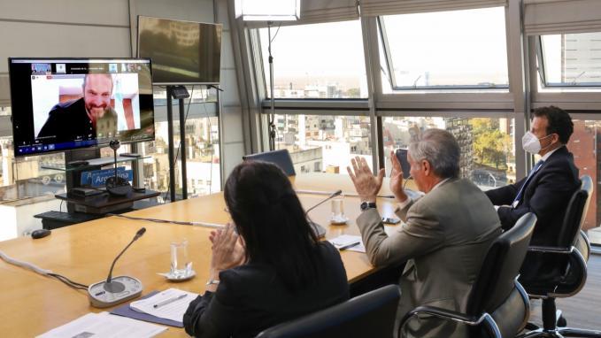Premio Raíces_Científicos argentinos en el exterior