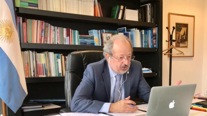 Embajador José Luis Pérez Gabilondo