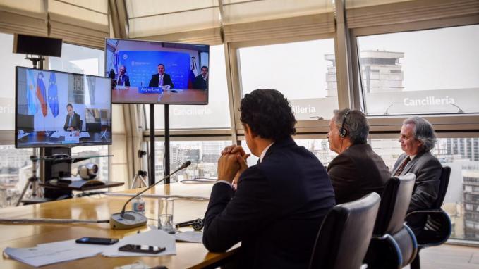 Videoconferencia con Canciller de Eslovenia