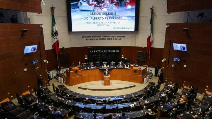 Presidente Fernández en el Senado de México