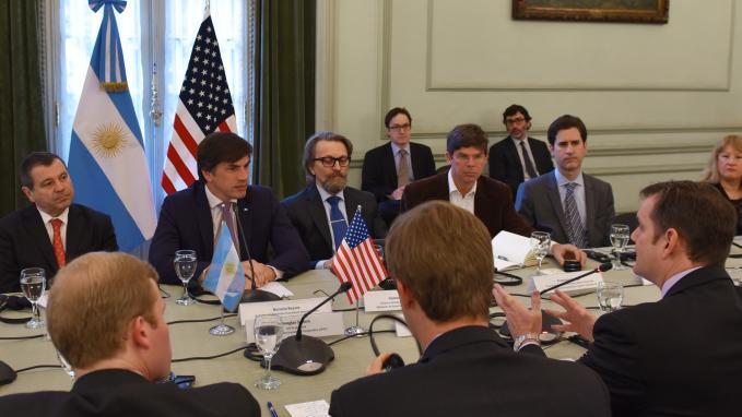 Horacio Reyser recibe a la OPIC de Estados Unidos en el Palacio San Martín