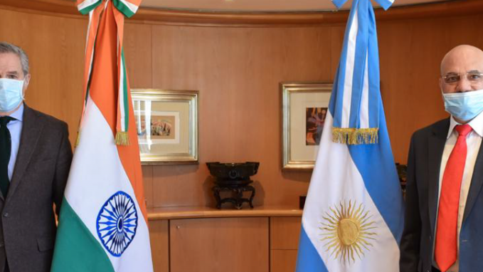 Canciller Solá y Embajador de la India